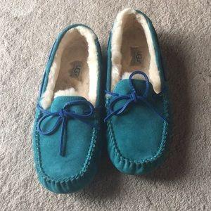 Ugg Dakota size 10 slippers